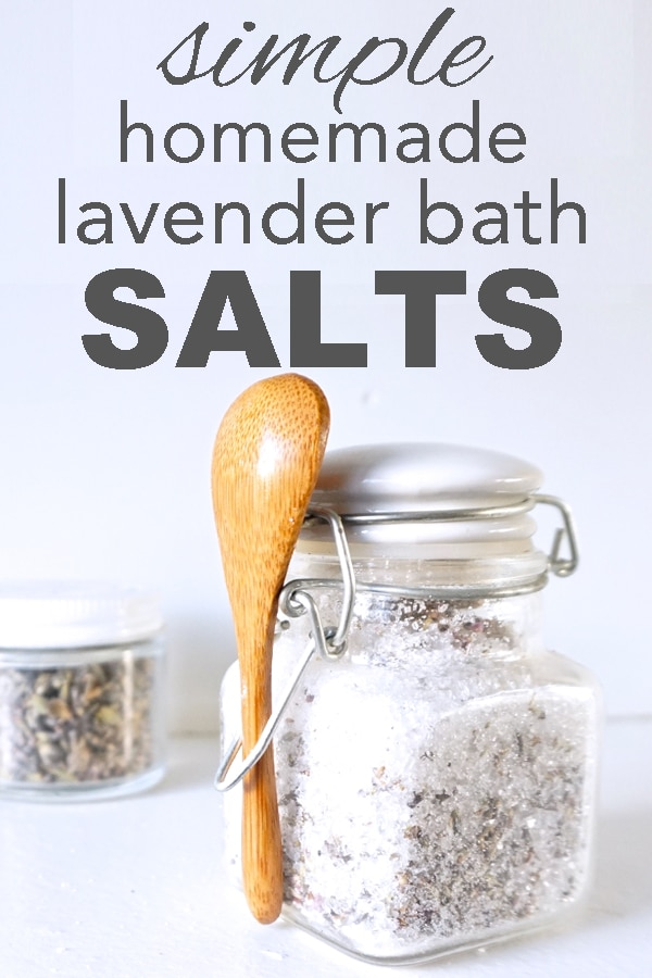 simple, homemade lavender bath salts from www.goingzerowaste.com #bathsalts #DIY #beauty #skincare #gogreen #sustainable #zerowaste