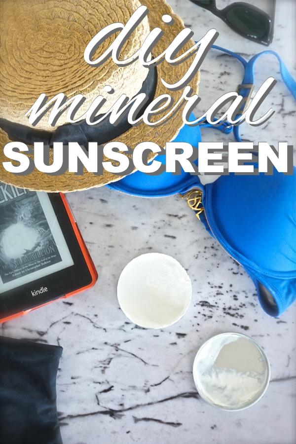 DIY Mineral Sunscreen from www.goingzerowaste.com #sunscreen #DIY #mineralsunscreen #zerowaste #sustaianble #ecofriendly