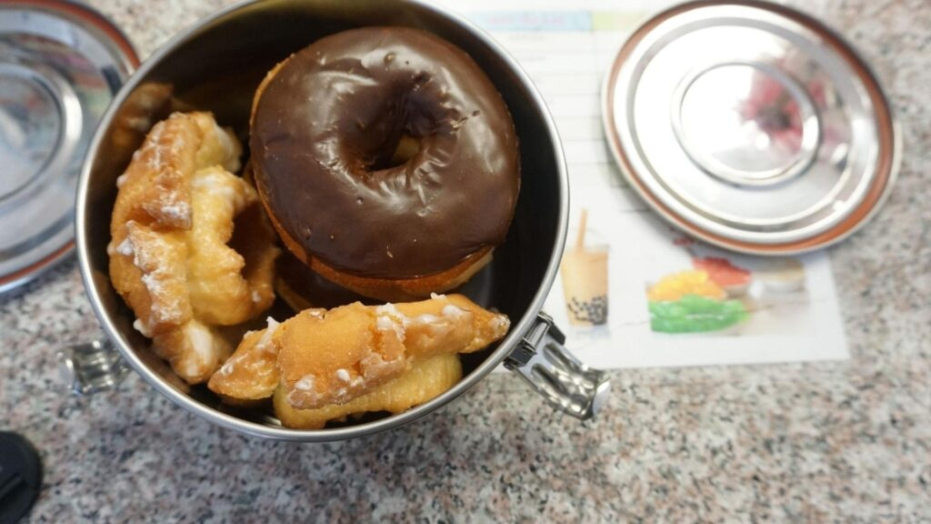 donuts in a stainless steel tiffin, zero waste takeout